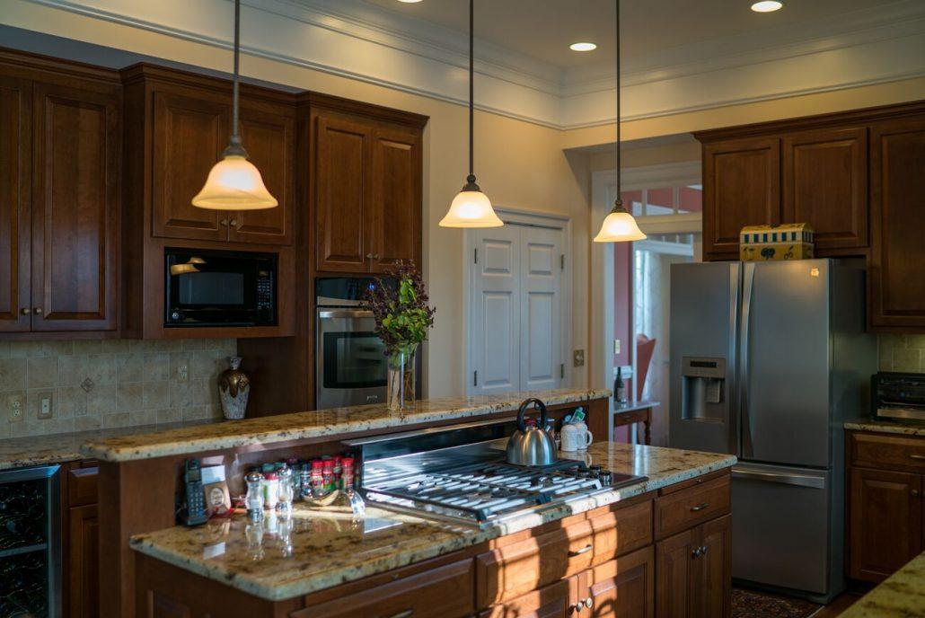 custom cherry kitchen w/gas cooktop