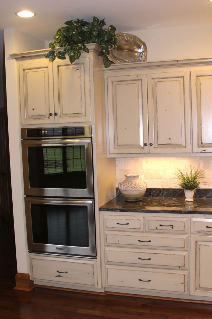 built-in double wall oven in cabinetry